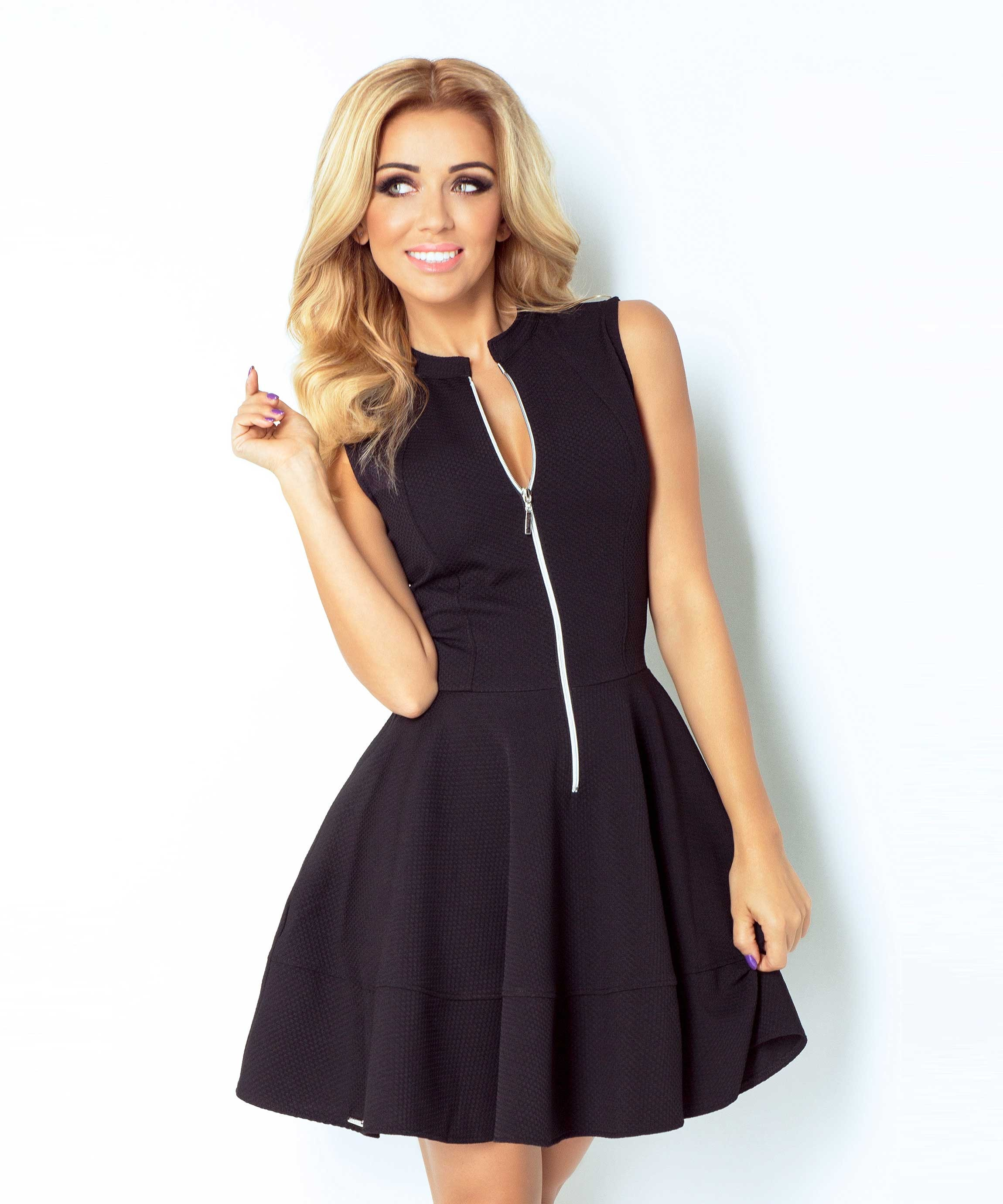 Robe patineuse sans manches